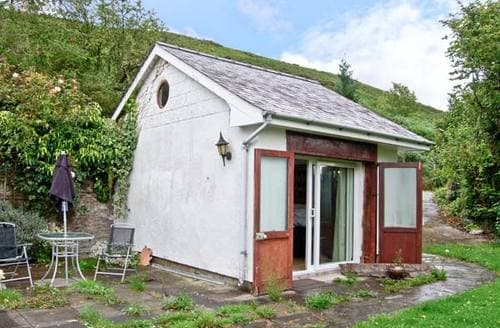 Last Minute Cottages - Old Stable Studio