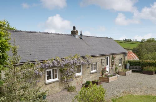 Last Minute Cottages - Beudy Hir