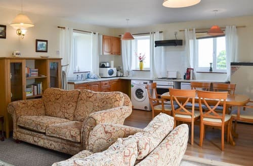 Last Minute Cottages - Lindisfarne Cottage- UK11779