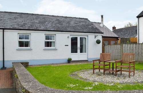 Last Minute Cottages - Ty Glas - UK11628
