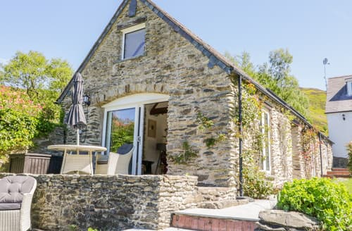 Last Minute Cottages - The Barn at Waen y Ffynnon