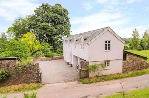 Last Minute Cottages - The Buckstone House Coach House