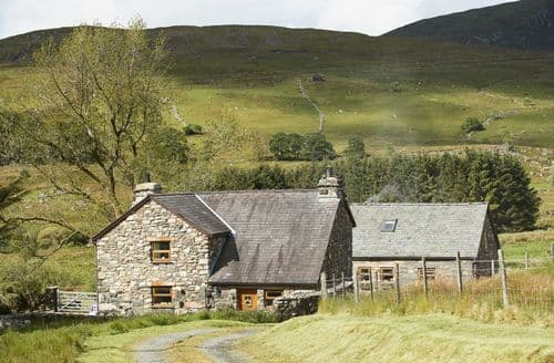 Last Minute Cottages - Ty Nant Cottage, Capel Celyn, Near Bala