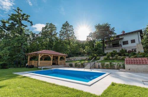 Last Minute Cottages - Villa Bona Ventura with Sea View near Opatija
