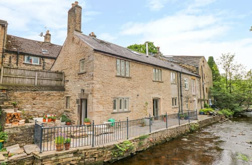 Last Minute Cottages - River Cottage Hayfield
