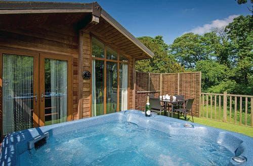 Last Minute Cottages - Spa Retreat