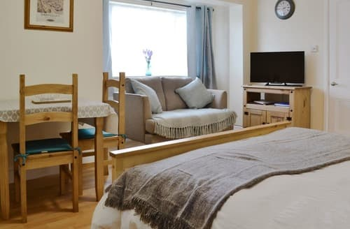 Last Minute Cottages - New Inn Lodge