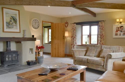 Last Minute Cottages - Treliver Farmhouse