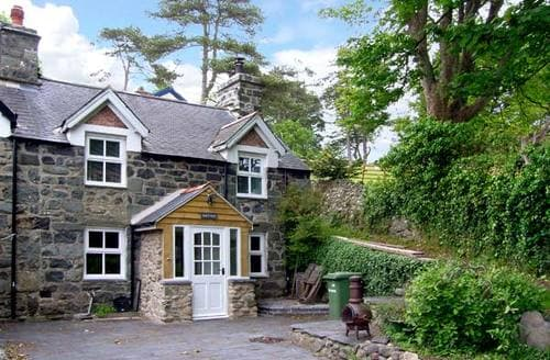 Last Minute Cottages - Inviting Llwyngwril Bryn S5255