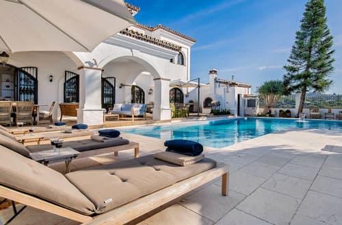 Last Minute Cottages - Villa Alamo