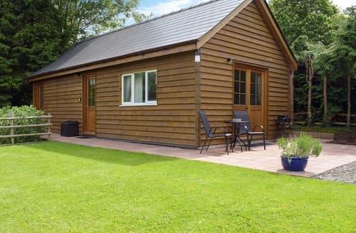Last Minute Cottages - Walkers Lodge