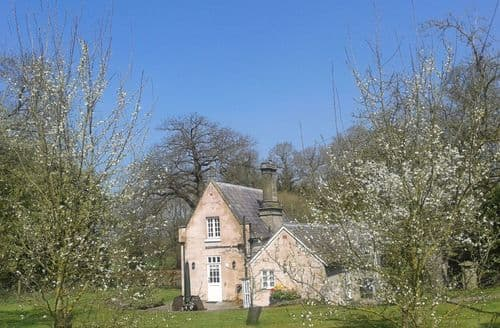 Last Minute Cottages - Stone Lodge, Whitchurch