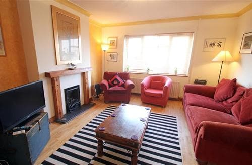 Last Minute Cottages - Overland Road, Mumbles