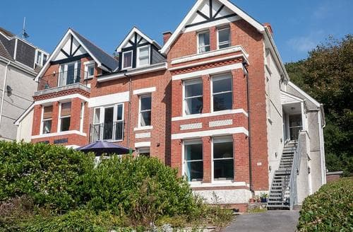 Last Minute Cottages - The Beach Flat, Langland