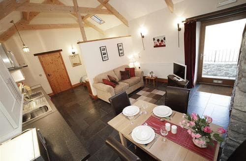 Last Minute Cottages - The Stable, Llanmadoc