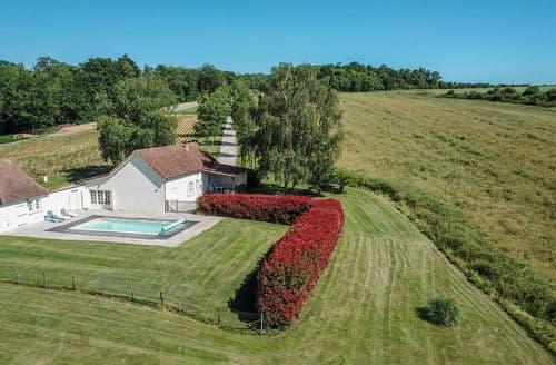 Last Minute Cottages - Les Rivailles