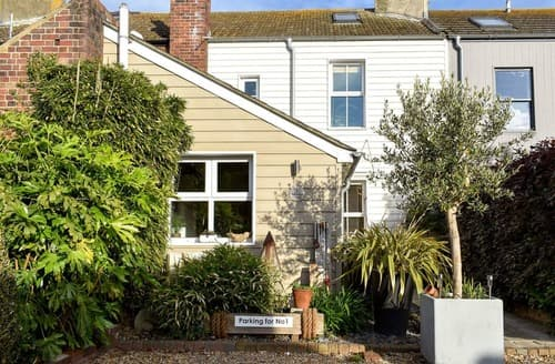 Last Minute Cottages - Number 1 Admiralty Cottage's