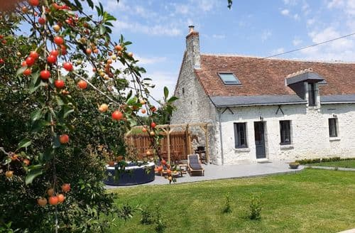 Last Minute Cottages - Maison de Charme