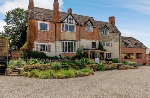 Dog Friendly Cottages - Hinton Manor