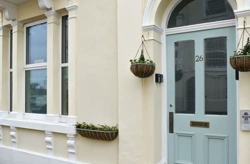 Last Minute Cottages - Seaview - UK11564
