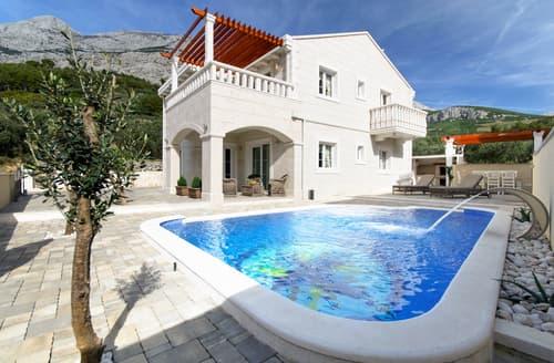 Last Minute Cottages - Villa Radic