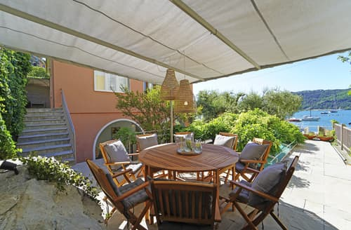 Last Minute Cottages - Casa Palmaria