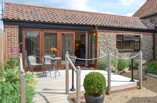 Last Minute Cottages - Courtyard Barn - UK11927