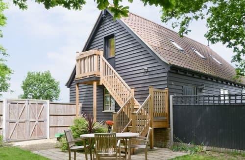 Last Minute Cottages - Oak View Loft - UK11926
