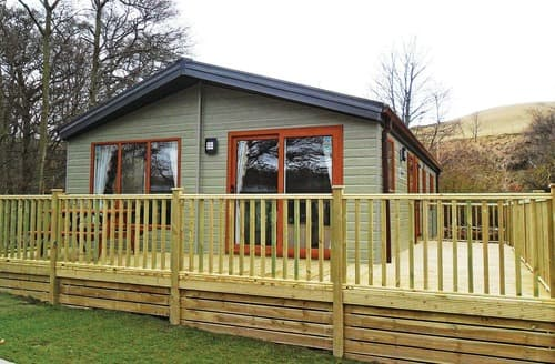 Last Minute Cottages - Deluxe Lodge 2 (Pet)