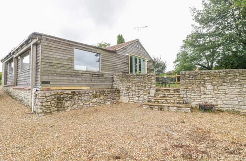 Last Minute Cottages - Boundary Barn