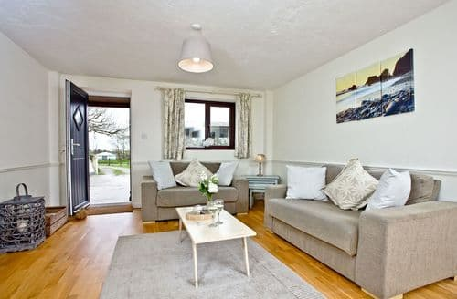 Last Minute Cottages - Nobby's Cottage, East Thorne, Bude, Bude