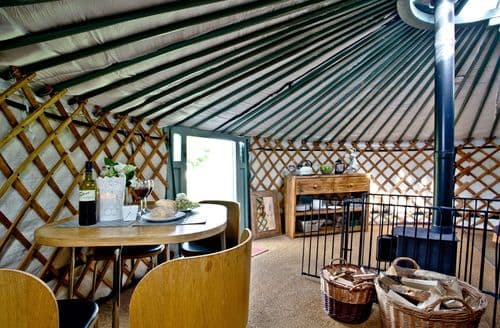 Last Minute Cottages - Yurt 6, East Thorne Farm, Bude, Bude