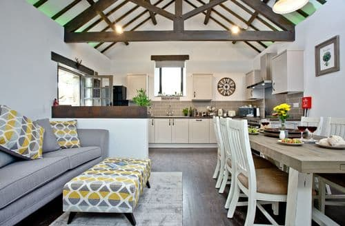 Last Minute Cottages - The Barn in Lanhydrock, Bodmin, Llanhydrock