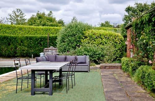 Last Minute Cottages - The Wine Lodge, Kenton Park Estate, Exeter, Exeter
