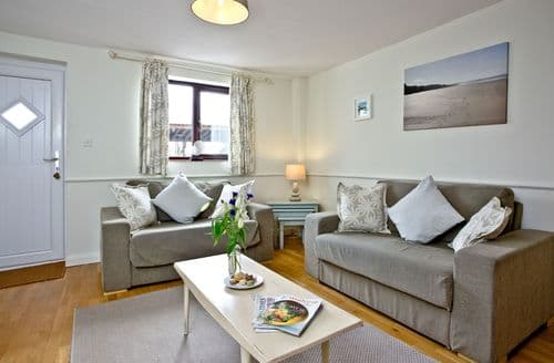 Last Minute Cottages - The Cwtch Cottage, East Thorne, Bude, Bude