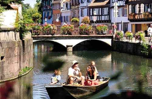 Last Minute Cottages - La Petite Venise 4