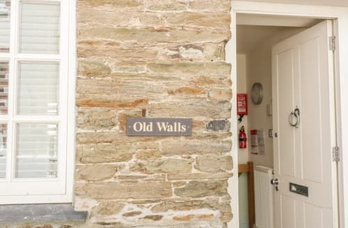 Last Minute Cottages - Old Walls