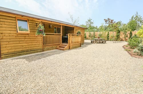 Last Minute Cottages - Willow Lodge