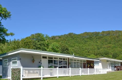 Last Minute Cottages - Chalet 123 - UK12090