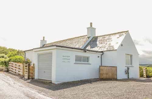 Last Minute Cottages - Bayview Cottage