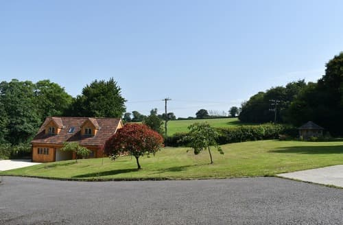 Last Minute Cottages - The Bee Hive