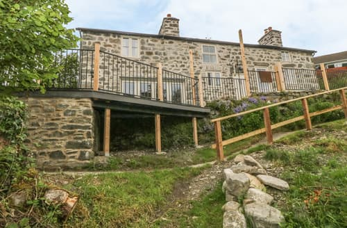 Last Minute Cottages - Ochr Y Rhiw