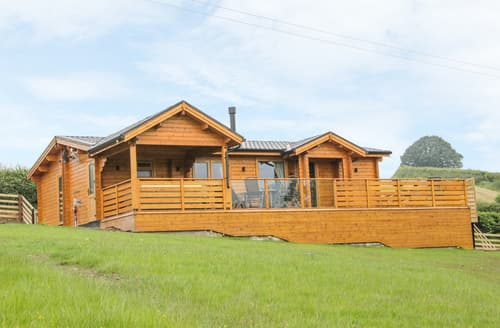 Last Minute Cottages - Manor Farm Lodges - Dragon Lodge