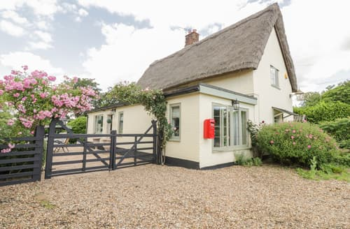 Last Minute Cottages - Waveney Cottage