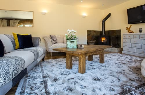 Last Minute Cottages - The Barns