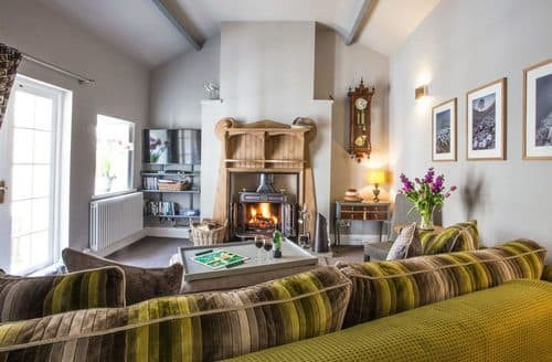 Last Minute Cottages - Orchard House Barn
