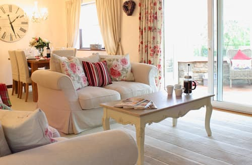 Last Minute Cottages - Ryan Leigh Cottage