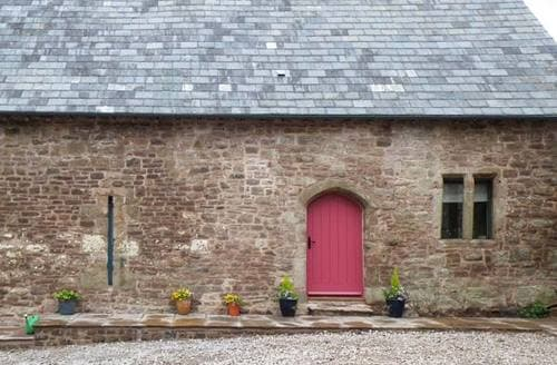 Last Minute Cottages - Attractive Monmouth Barn S5300
