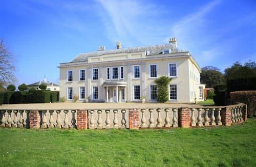 Last Minute Cottages - Worlingham Hall, Worlingham