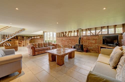 Last Minute Cottages - Vale Farm Barns, Sutton